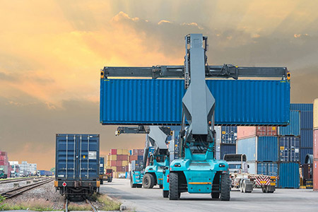 We guarantee economic and unfailing solutions in intermodal transport